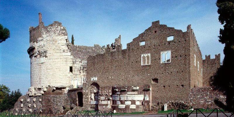 Il Mausoleo di Cecilia Metella e il Castrum Caetani